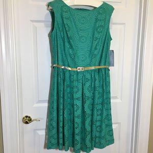 London Times Woman Green Lace Dress 18W